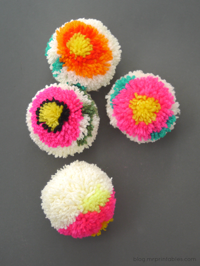 making flower pom poms with a diy pom pom maker mr printables. Black Bedroom Furniture Sets. Home Design Ideas